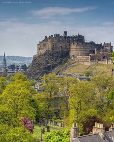 Beautiful shot of Edinburgh Castle