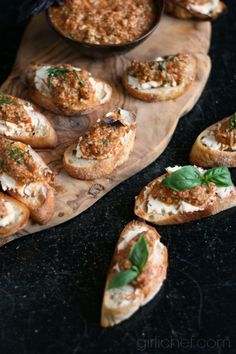Roasted Red Pepper, Basil, and Almond Pesto Crostini #FreshGifts at www.girlichef.com