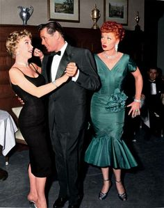 Barbara Eden, Desi Arnaz and Lucille Ball - I Love Lucy, Season Episode 25 - Country Club Dance Hollywood Hills, Hollywood Walk Of Fame, Hollywood Stars, Golden Age Of Hollywood, Vintage Hollywood, Classic Hollywood, Hollywood Couples, The Comedian, Barbara Eden