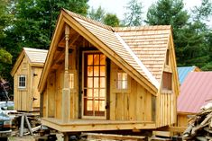 Free tiny house plans with All the walls and roof are made of wood and elegant artistic suitable for you who have a high artistic soul