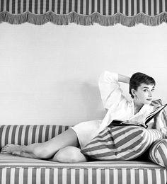 Marilyn Monroe And Audrey Hepburn, Aubrey Hepburn, Audrey Hepburn Photos, Same Old Love, Givenchy, Old Hollywood Glamour, Movie Stars, Retro Vintage, Photoshoot