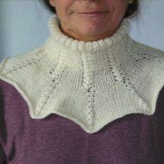 Col, tour de cou,écharpe, point fantaisie tricot main écru. Un grand marché 21c3ff53eb9