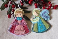 A beautiful pair of hand embroidered holiday angels. Made with eco friendly wool blend and post consumer felt. Felt Christmas Decorations, Felt Christmas Ornaments, Angel Ornaments, Christmas Crafts, Felt Crafts Patterns, Felt Crafts Diy, Felt Giraffe, Felt Advent Calendar, Felt Angel