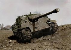 World War II - Historical Pictures - Jagdpanther tank destroyer from Panzergruppe Hudel...