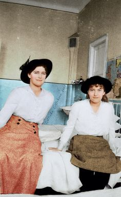 Grand Duchesses Maria and Anastasia visiting a hospital during the WWI.