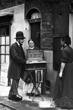 A Street Doctor.Real life of Victorian London, c Taken by Photographer John Thompson & writer Adolphe Smith. some GREAT vintage photographs here ! Victorian London, Victorian Street, Victorian Life, Vintage London, Old London, East London, Victorian History, Tudor History, London History