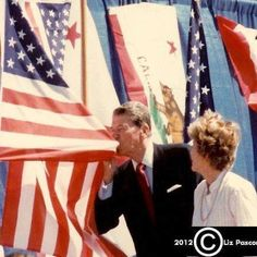 Ronald & Nancy Reagan, I love this picture. A president that truly loves his country !!