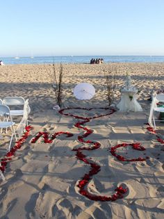 love this!, if i decide to do a beach wedding....
