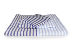 Each Yoshii Linen Border towel has two sides: a smooth cotton weave and a looped terrycloth pile. The exceptional design and care in processing the cotton makes Yoshii towels highly absorbent, lightweight and fast-drying.