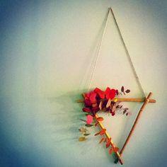 Les Mauvaises Herbes #flowershop #flowers #couronnes #fleurs #wearth #eucalyptus #florist