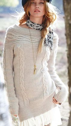 Love this cable knit sweater Fashion Moda, Knit Fashion, Love Fashion, Fashion Outfits, Womens Fashion, Fashion Clothes, Glamorous Chic Life, Beautiful Outfits, Cute Outfits