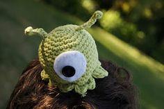 Crochet Brain Slug - We favor unreasonably huge subsidies to the brain slug planet