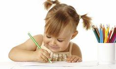 """Estimule a Criatividade - Jô Beliz  Em alguns momentos, é imprescindível deixar a criança livre para escolher e livre para criar! O importante é que ela estimule a criatividade, já que, embora precise se identificar com o outro, também precisa se sentir única, criadora e original. Abaixo está um texto interessantíssimo! Ele fala sobre como um educador pode """"podar"""" a criatividade de seus alunos ao expor um padrão próprio de execução."""
