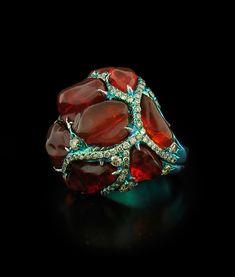 Arunashi Fire Opal and Diamond Ring carats of vivid Fire Opal carats of Diamonds make a big statement. Opal Jewelry, Jewelry Art, Fine Jewelry, Jewelry Design, Unique Jewelry, Jewlery, Titanium Jewelry, Prom Jewelry, Designer Jewellery