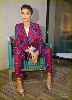 The Penthouse Inspired by Vivienne Westwood event from Party Pics: Hollywood Zendaya looks cool in plaid at The London West Hollywood. Zendaya Outfits, Zendaya Style, Mode Outfits, Fall Outfits, Zendaya Makeup, Zendaya Fashion, Zendaya Hair, Suit Fashion, Look Fashion