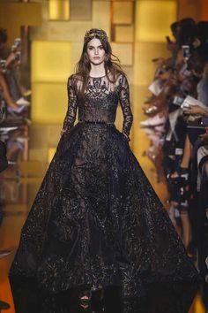 Elie Saab Couture Fall-Winter 2015/16  #ElieSaab,#ElieSaabCouture,#fallwinterfashion,#womenfashion,#voguecollections