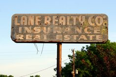 Lane Realty old neon sign by SeeMidTN.com (aka Brent), via Flickr