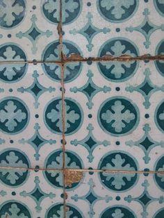 portuguess azulejo Geometric Art, Tiles, Blanket, Room Tiles, Tile, Blankets, Cover, Comforters, Backsplash