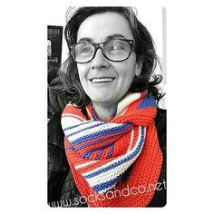 #patrón  e #instrucciones #chalbobomulticolor también en #ravelry #algodón mix #katia alabama feliz sábado tejedor@s  #socksandco #chales #knittersofinstagram #knittinglove #diy #hazlotumismo #handknit #hechoamano #handmade #knitaddict