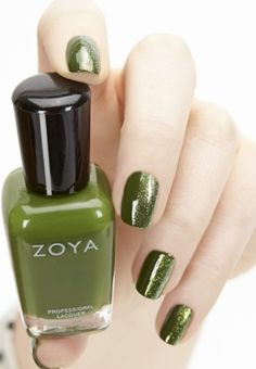 two-toned-nail-polish