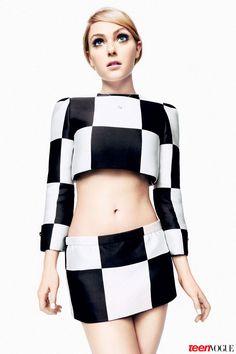 TV's Next It Girl: AnnaSophia Robb is the New Carrie Bradshaw