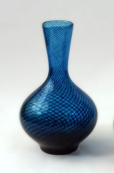 Hadeland, Norway Handblown glass vase in blue glass, internally decorated with spiral threads of darker blue glass. Blue Glass Vase, Different Kinds Of Art, Blown Glass Art, Vintage Pottery, Glass Collection, Crystals, Cobalt Blue, Spiral, Vases