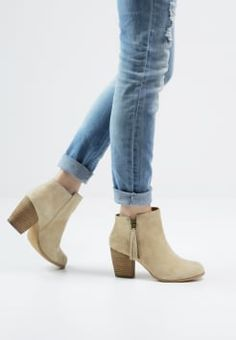 Pier One - Ankle Boot - natural