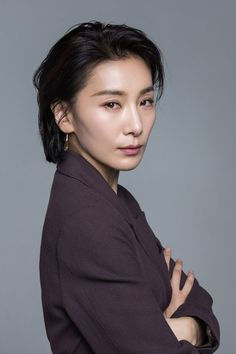 Kim Seo-hyung talked about the difficulties of being Kim Joo-yeong in 'SKY Castle'. In a recent interview, Kim Seo-hyung said, 'I still look at myself in the drama and feel weighed down'. Dramas, Western Girl, I Love Girls, Korean Celebrities, Korean Actresses, Ulzzang Girl, Korean Beauty, Girl Crushes, Easy Hairstyles