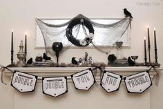 Halloween decorations : IDEAS & INSPIRATIONS Witchy Glam Halloween Mantel