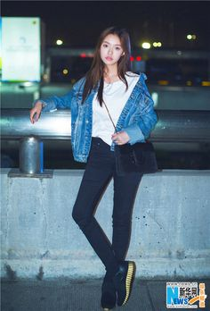 China Entertainment News aggregates the latest news shapping China's entertainment industry. China, Actors, Celebs, Celebrities, Airport Style, Girl Crushes, Most Beautiful Women, Stylish Outfits, Milan