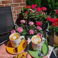 Coffee Latte Art, Baddie Tips, Profile Photo, Coffee Shops, Coffee Lovers, Baddies, Tea Time, Photo And Video, Tableware
