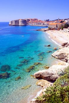 Dubrovnik is famous for the crystal clear waters and endless shimmer of the Adriatic Sea, and many mysterious beaches lie beyond the city walls. Click pin through to post for an overview of the best ones!