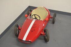 Zriedkavé ročník podpísal autopožičovňu Ferrari F1