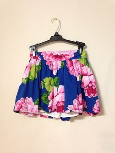 Skirt    [url]: http://www.vinted.com/sh/clothes/16624372-1-hr-sale-abercrombie-small-floral-skirt    [userIdentifier]: 50996    [comments]: (    )    [isUnisexNumber]: 0    [