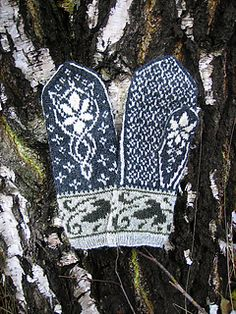 Ravelry: Evenstar Mittens pattern by Natalia Moreva Fair Isle Knitting, Loom Knitting, Hand Knitting, Knitting Patterns, Crochet Patterns, Mosaic Patterns, Knitted Mittens Pattern, Knit Mittens, Knitted Hats