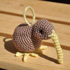 Amigurumi Kiwi Bird Pattern : 1000+ images about Exotic Bird Crochet Patterns on ...