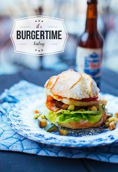 It's Burgertime – Halloumi-Burger mit Zucchini-Auberginen-Gemüse