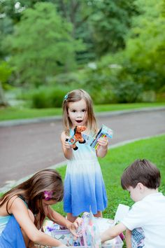 Great idea for helping kids enjoy having their picture taken - Photo Session Treasure Box KristenDukePhotography.com