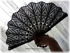 Hand Held Fan, Hand Fan, Lace Painting, Breeze, Tatting, Crocheting, Tejidos, Blue Prints, Bobbin Lace