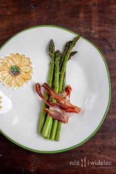 Pieczone zielone szparagi z pancettą #gryz #MagazynGRYZ