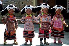 Longhorn Miao Miao is Suojia unique headdresses. China Network Gallery Llewellyn Photography 长角苗是梭戛苗族特有的头饰。中国网图片库 卢维摄影