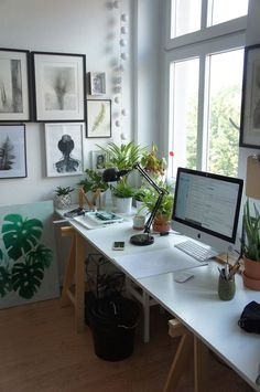 50 stunning winter office decorations that you can easily make . - 50 stunning winter office decorations that you can easily make - Home Office Space, Home Office Decor, Office Decorations, Home Decoration, Office Workspace, Small Office, Office Ideas, Workspace Inspiration, Decoration Inspiration