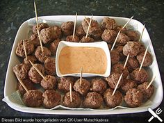 Fantastic Totally Free Meat snacks for party Tips, Bouletten - finger food Here i will discuss 30 healthy snacks that. Finger Food Appetizers, Appetizers For Party, Appetizer Recipes, Simple Appetizers, Party Finger Foods, Snacks Für Party, Food Tags, Party Buffet, Football Food