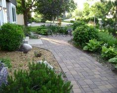 Cheap Landscaping Ideas For Back Yard - Bing Images Courtyard Landscaping, Small Yard Landscaping, Cheap Landscaping Ideas, Backyard Ideas For Small Yards, Backyard Garden Landscape, Walkway Ideas, Landscaping Plants, Pergola Ideas, Outdoor Ideas
