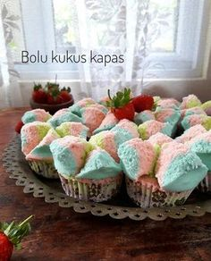 Resep Bolu Kukus Kapas Tanpa Soda is part of Bolu cake - Indonesian Desserts, Indonesian Food, Indonesian Recipes, Rice Flour Recipes, Bolu Cake, Chinese Cake, Resep Cake, Asian Cake, Steamed Cake