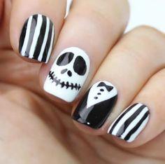 16 Ideas de uñas con esmalte negro que amarás si tienes alma gótica