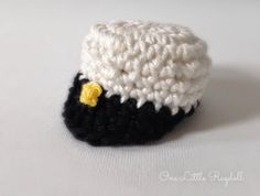 Ylioppilaslakki + ohje by One Little Ragdoll * crochet * amigurumi hat * virkkaus Crochet Stitch, Free Crochet, Crochet Hats, Flower Patterns, Crochet Patterns, Double Crochet, Free Pattern, Embroidery, Knitting