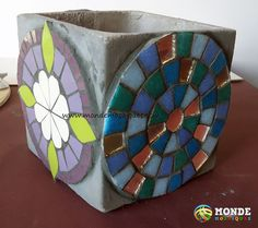 Vitromosaico Ideas, Arts And Crafts, Diy Crafts, Mosaic Projects, Mosaic Art, Decoupage, Fused Glass, Lily, Mosaic Crafts