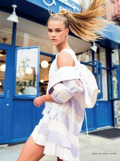 ELLE Kazakhstan takes the streets of New York in the new cover story masterfully photographed by Masha Maltsava with model Nina Agdal beautifully styled by fashion stylist Anna Katsanis at Atelier Management. The gorgeous Nina taking Nina Agdal, Casual Chic Style, Sporty Style, Fashion Prints, Fashion Design, Elle Magazine, Sport Fashion, Fashion Stylist, Sport Outfits