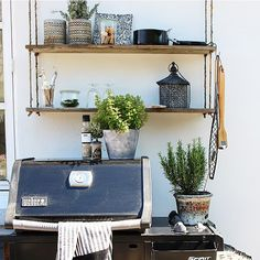 Mr. T's kitchen I guess he will use it tomorrow - or another day...  but at least he HAS one happy friday to all of you #outdoorstyling #myhome #mygarden #inspiration #tuin #gardendesign #uteliv #interior4all #nordicinspiration #terrasse  #interior-may  #interiørmagasinet @interior_magasinet #nordiskehjem #outdoor  #uterom #flowers #summer #trädgård #bolig #vakrehjemoginterior #boho  #patio #vakreverden #inspirasjonsguidennorge #terrasse #have #mypotterybarn #showhometop5 by skovbon